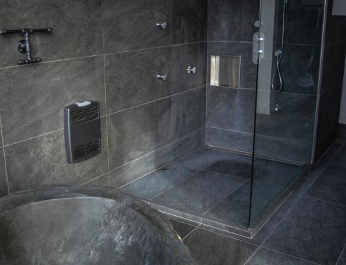 Douche et salle de bain en céramique